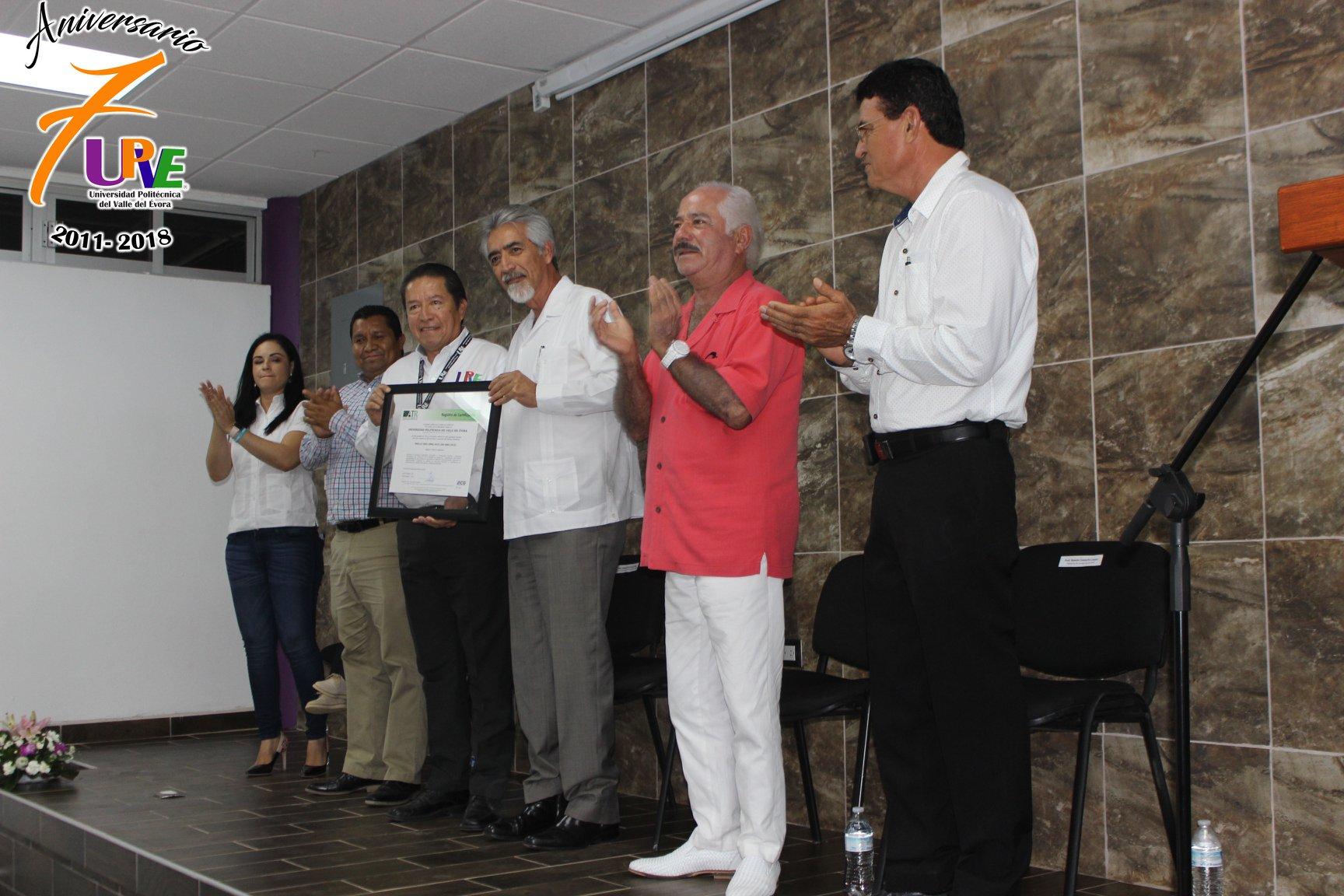 Ceremonia de Entrega de Constancia de Certificación ISO 9001:2015